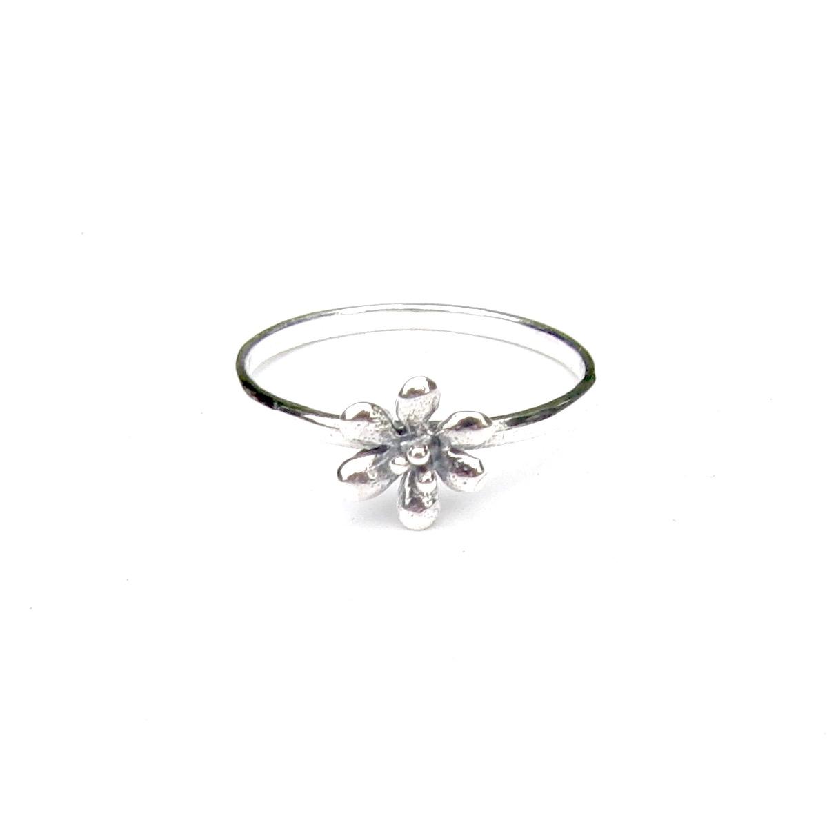 Beautiful Dainty Flower Ring.