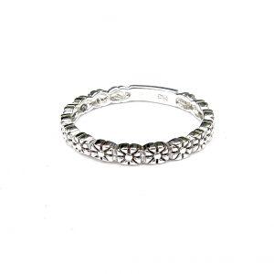 Beautiful Dainty Flower Band Ring