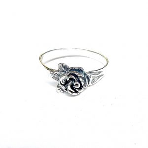 Beautiful Silver Flower Ring