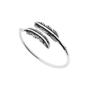 Pretty Dainty Feather Ring